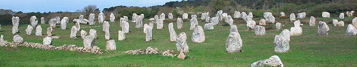 Carnac en Morbihan dans Morbihan 700px-menhirs_carnac