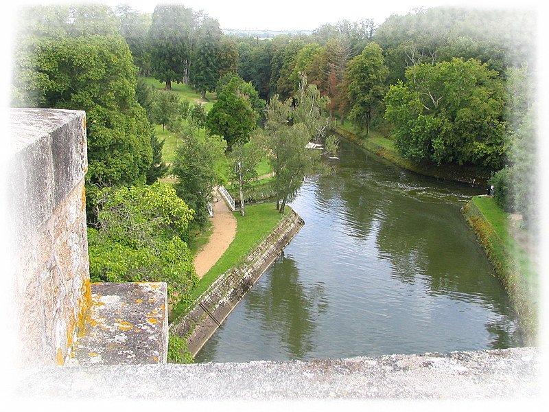 Lac de Pont en Bourgogne dans LACS DE FRANCE pont-et-massene_10619_barrage-de-l-armancon2