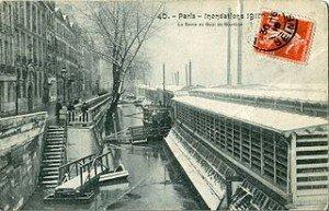 Les Bateaux-Lavoirs dans LAVOIRS DE FRANCE bateau_lavoir--300x193
