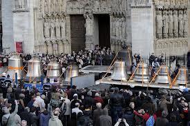 Neuf cloches à Notre Dame dans CLOCHES de FRANCE cloche