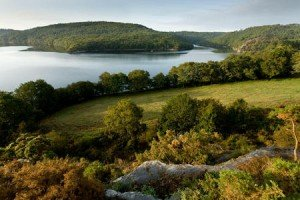 Lac de Guerlédan dans Bretagne lac-de-guerledan-300x200