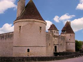 Le château de Posanges dans CHATEAUX DE FRANCE le_chateau_de_posanges