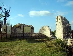 Dames de pierre d'Oliferne dans Jura chateau-olliferne