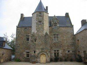 Les Manoirs Bretons dans Bretagne manoir-breton-300x224