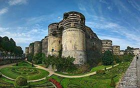 Au château d'Angers dans CHATEAUX DE FRANCE angers