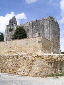 Boutiers-Saint-Trojan en Charente dans VILLAGES de FRANCE boutiers2-225x300