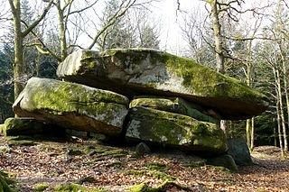 Dolmen Chevresse dans Morvan dolmenchevresse1