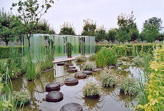 320px-arc_et_senans_jardin_03 dans Jura