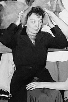 Édith Piaf, inoubliable encore aujourd'hui dans CHANSON FRANCAISE 220px-edith_piaf