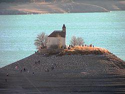 Lac artificiel de Serre-Ponçon dans LACS DE FRANCE 250px-chapelle_saint-michel_-_serre-poncon2