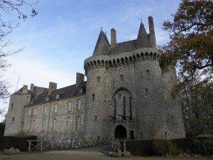 LES IFFS DE BRETAGNE dans Bretagne les_iffs_35_chateau_de_montmuran-300x225