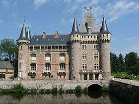 Histoire  du château de La Clayette (saône et loire) dans CHATEAUX DE FRANCE 280px-chateau_de_la_clayette_saone-et-loire