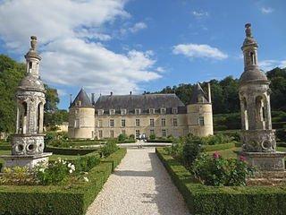 le Château de Bussy Rabutin dans Bourgogne chateau_de_bussy-rabutin_097