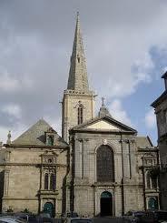 P'tit tour à La Cathédrale Saint-Vincent de St Malo dans Bretagne images-13