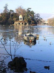 Méditation sur le Lac de Vincennes : Daumesnil dans LACS DE FRANCE 250px-lacdaumesnil1-222x300
