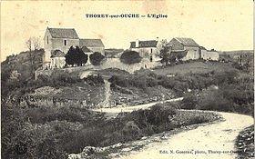 280px-Thorey_sur_Ouche_église_et_ancien_presbytère