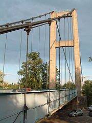 180px-Vernaison_-_Pont_suspendu_sur_le_Rhône_-1