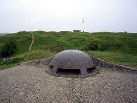 280px-Fort_de_Vaux_-_extérieur