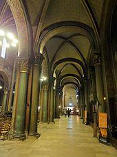 Paris_(75),_abbaye_Saint-Germain-des-Prés,_bas-côté_nord,_vue_vers_l'ouest