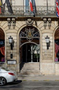 Dijon_Hotel_de_la_cloche_porte