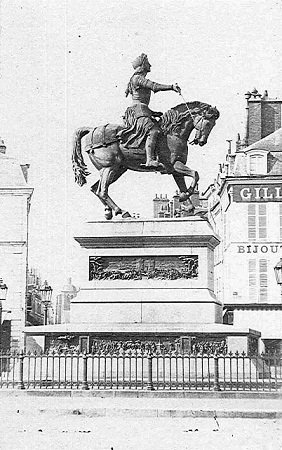 Statue_Jeanne_Orleans